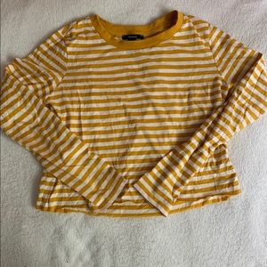 ⭐️2/25⭐️ Striped Long Sleeve Tee